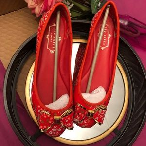 Ted Baker London Immep red/Kyoto flats sz 6.5.